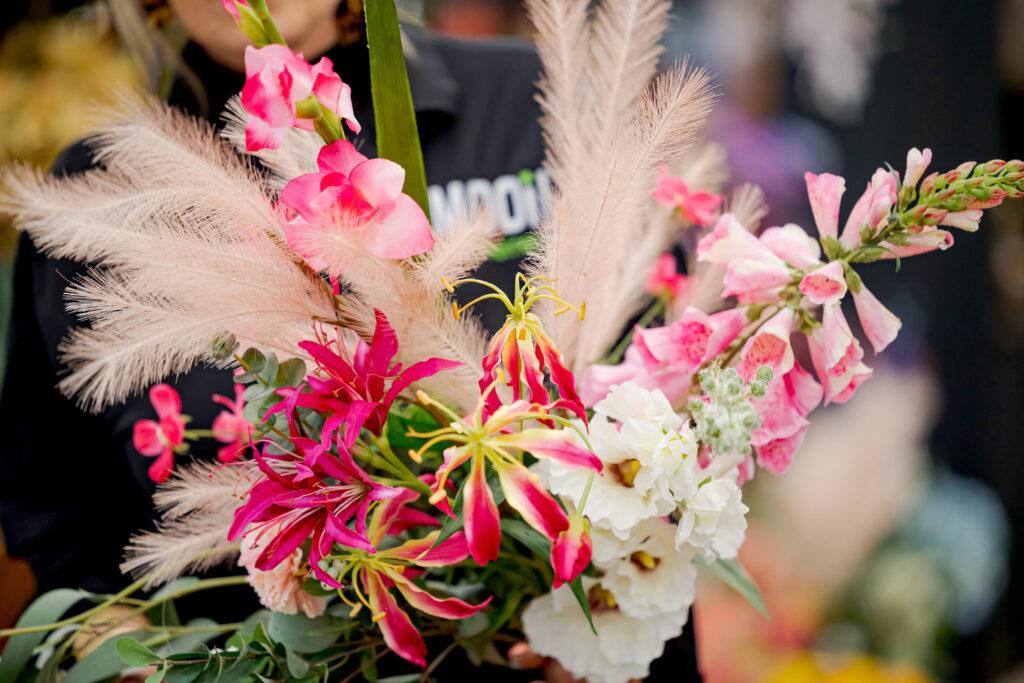 Moederdag cadeau tips roze fleurig